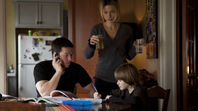 Mark Whalberg, Kate Beckinsale and Connor Hill in a scene from Contrabrand